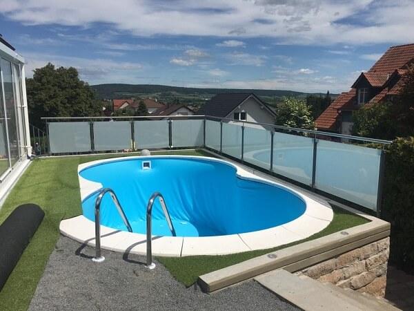 Pool Aufbau Terrase