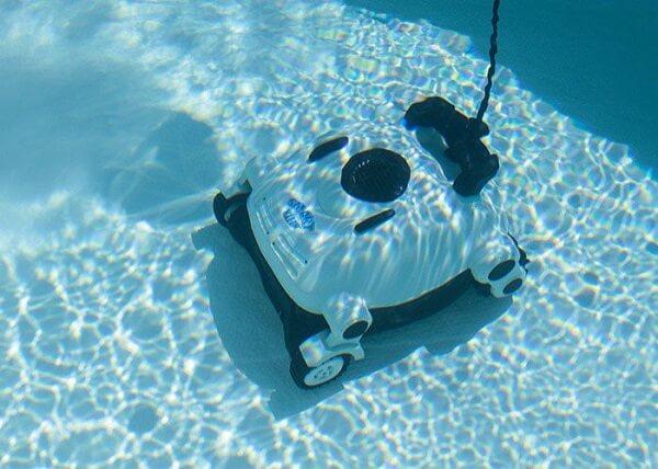Poolroboter im Einsatz